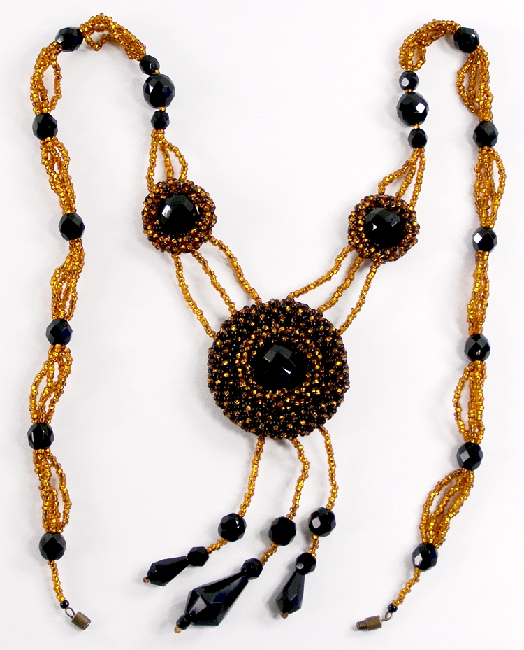 Necklace «Trojka»