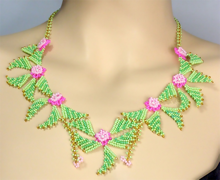 Necklace «Cheerful flowers»
