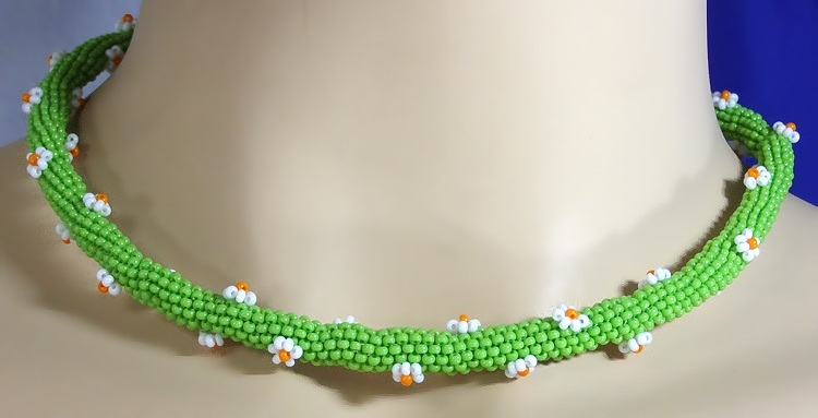 Necklace «Camomile»